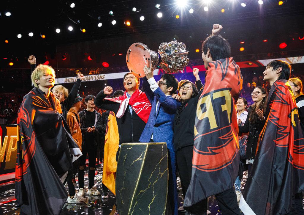 lol欧洲中单_LOL英雄联盟S9FPX夺冠现场图片_LOL高清图片大全_牛撸网